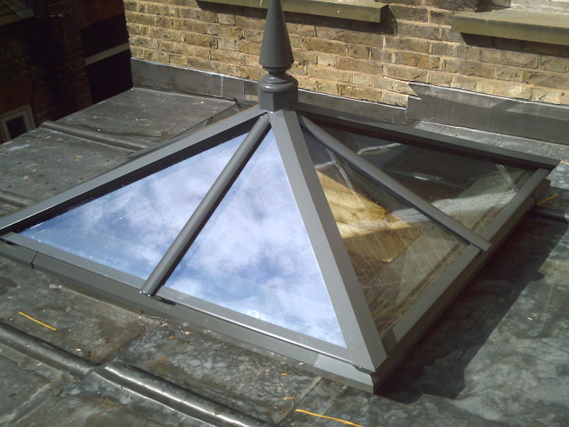 Roof lantern measuring 900mm x 900mm
