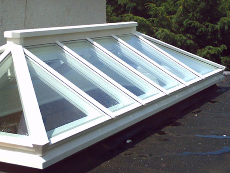 Roof lantern measuring 3000mm x 1200mm