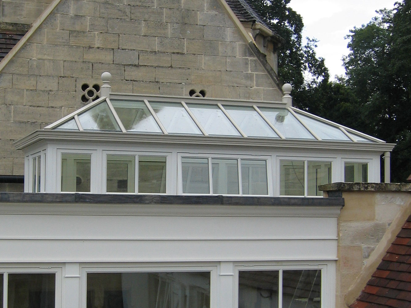 Stunning roof lantern with side frames completing an orangery extension